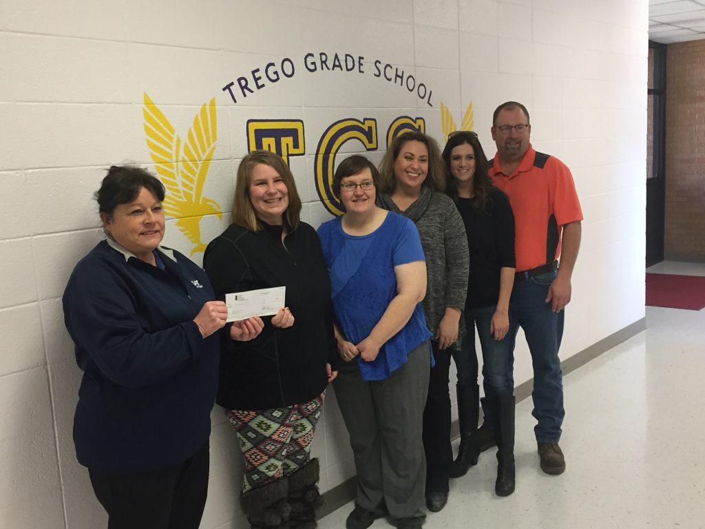 24/7 Travel Stores donates to Trego Grade School PTO